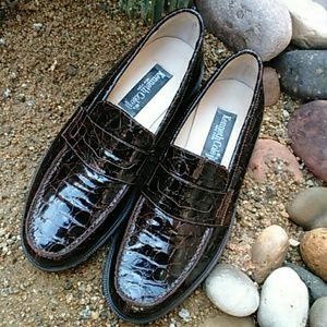 🚺Kenneth Cole loafers